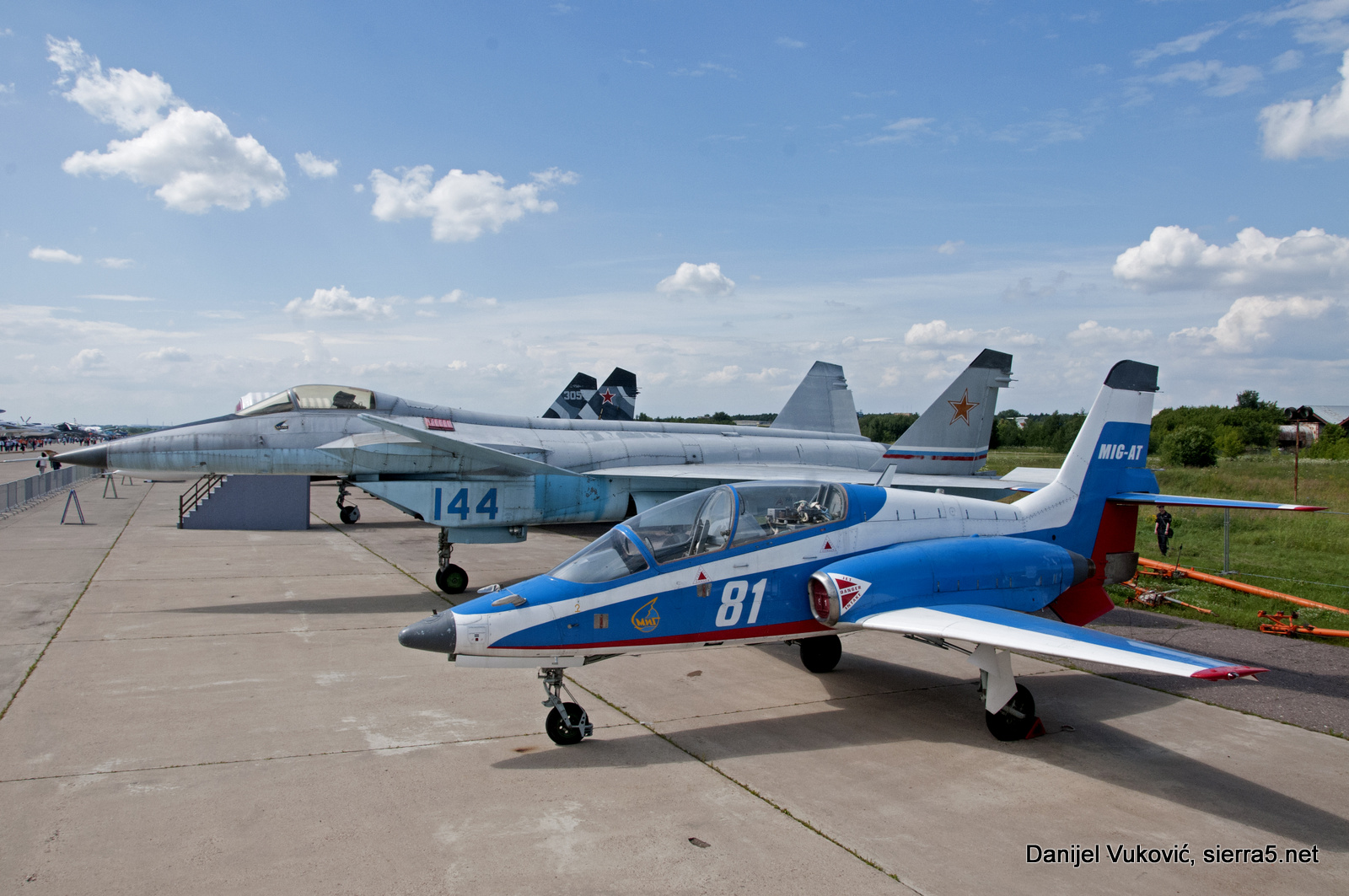 Avia Legends on static display; MiG-AT and MiG 1.44