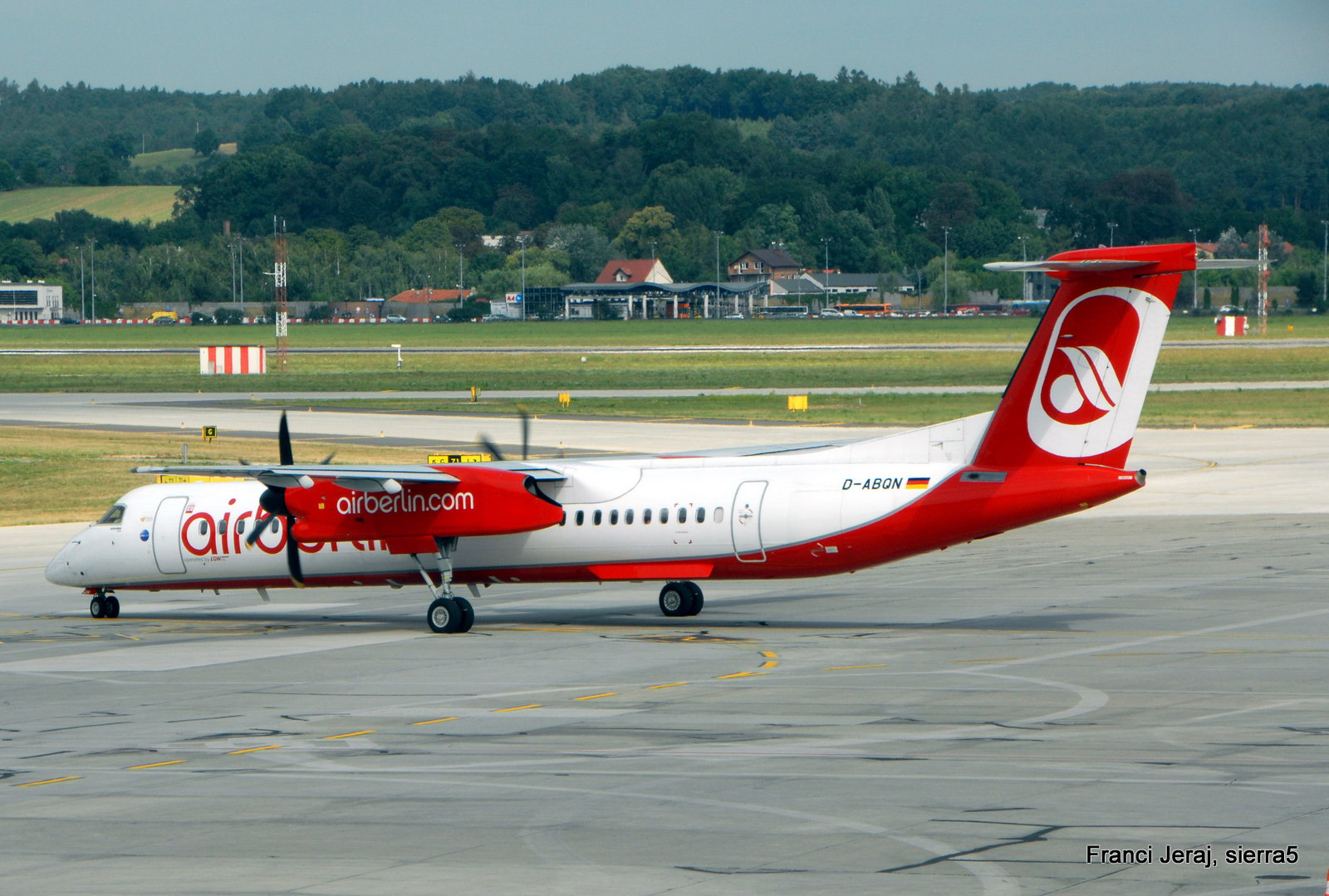DHC-8 Air Berlin, Krakov