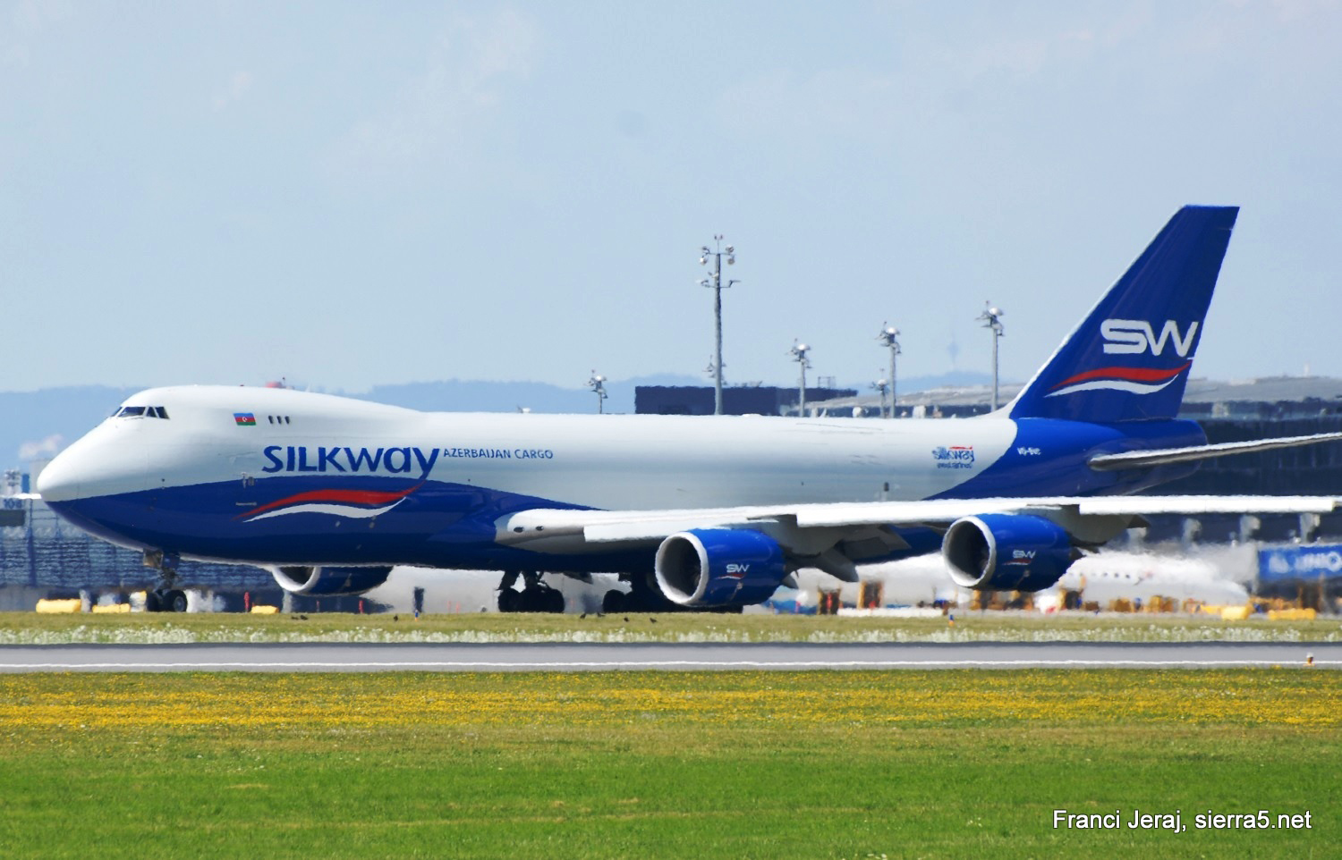 B747 Silk Way, Dunaj