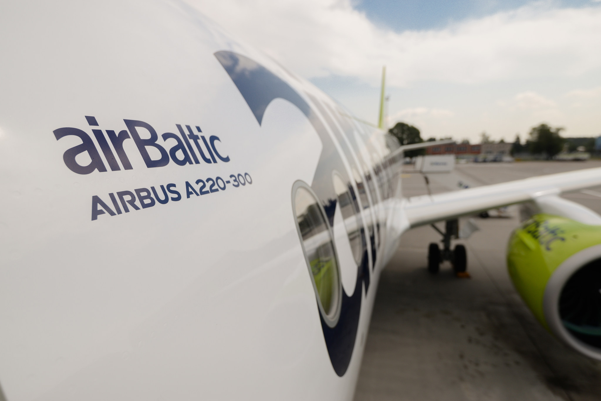 airBaltic A220 300 10TH 5