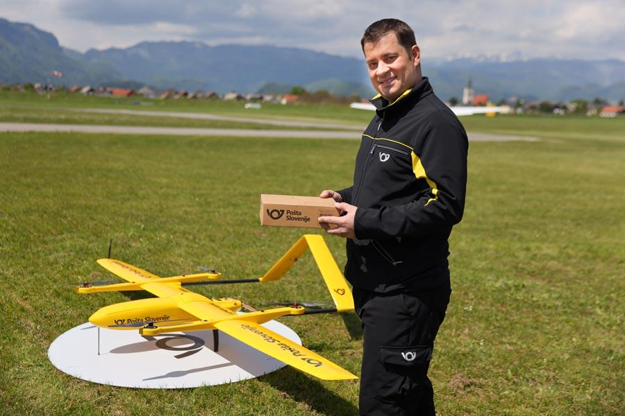 Pošta Slovenije začenja s prvimi poskusnimi leti z brezpilotnimi letalniki