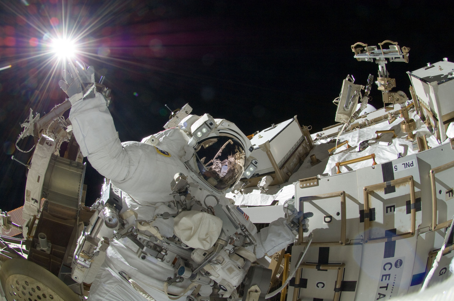 sunita_williams_iss-32_american_eva_b6_.jpg
