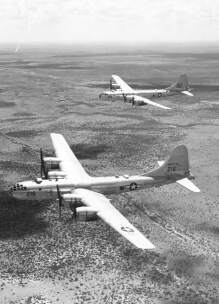 b-29_superfortress_in_flight_vir_acepilots.jpg