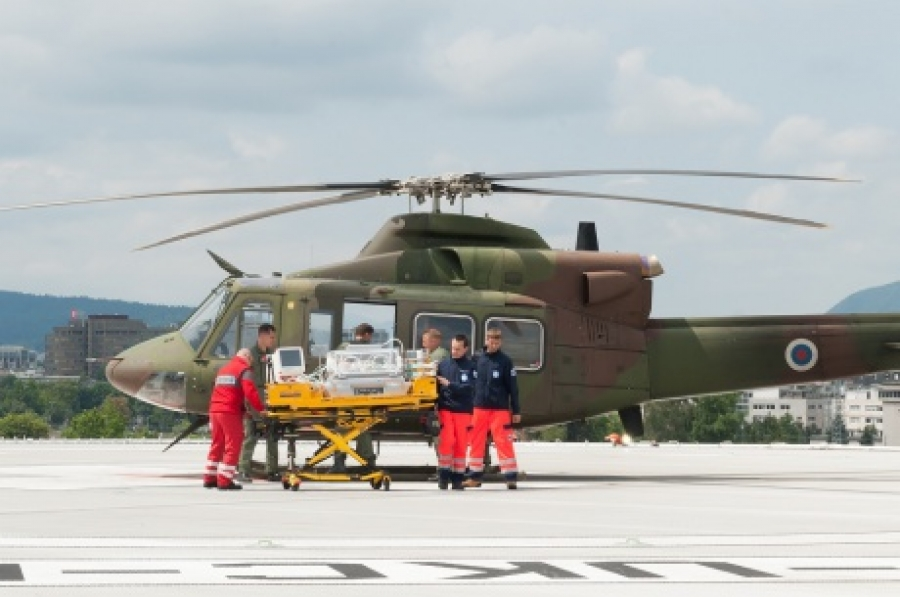 Z novo opremo olajšan prevoz kritično bolnih otrok s helikopterji