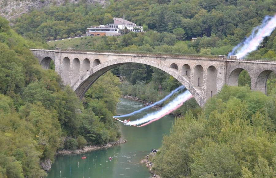 FOTO-Ob Rusjanovi obletnici ponovno pod Solkanskim mostom
