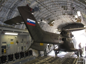 Preparations for the strategic airlift of the Cougar helicopter