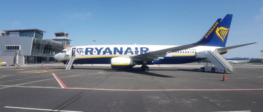 Na Brniku prvič pristalo letalo Ryanaira