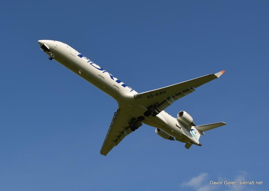 Adria Airways prevzela 99,1 odstotni delež švicarske letalske družbe Darwin Airline