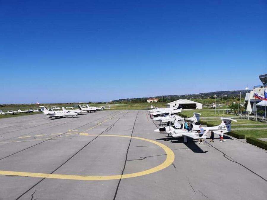 Portoroško letališče konec tedna ponovno pokalo po šivih