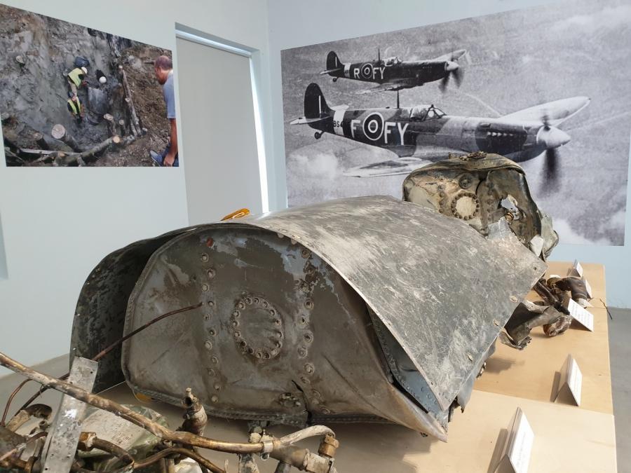Na Ižanki po 75. letih izkopali ostanke letala Supermarine Spitfire