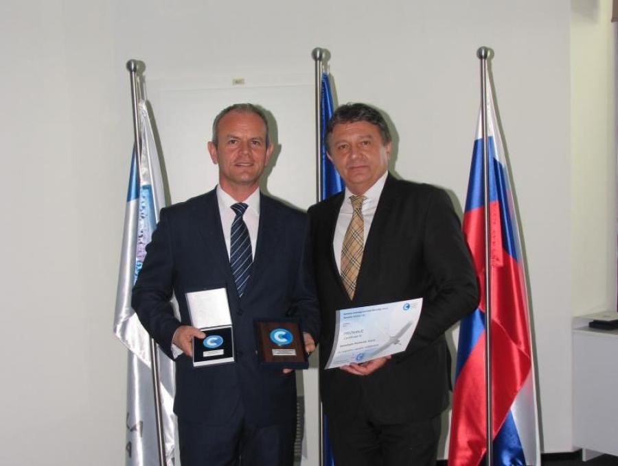 Aerodrom Portorož prejel plaketo za dolgoletno uspešno sodelovanje s KZPS