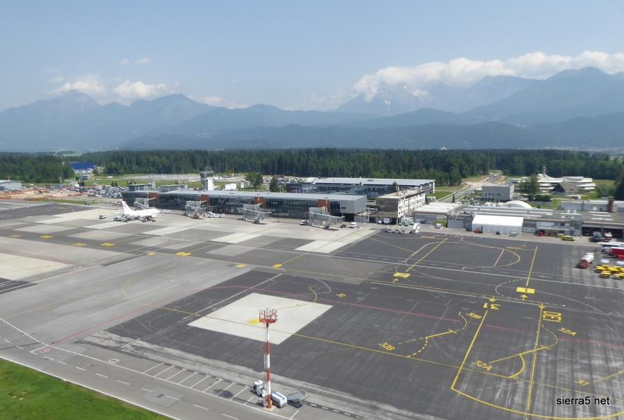 Propad Adrie Airways vpliva na prihodke iz turizma