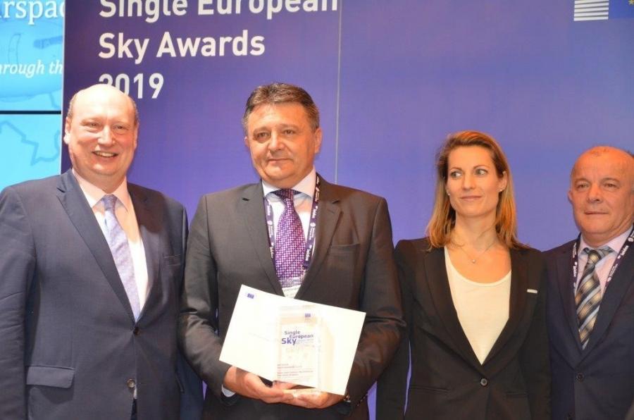 Kontrola zračnega prometa Slovenije prejela prestižno nagrado za projekt enotnega evropskega neba