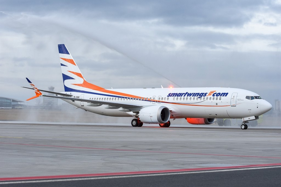 Na Brniku prvič pristal Boeing 737 MAX