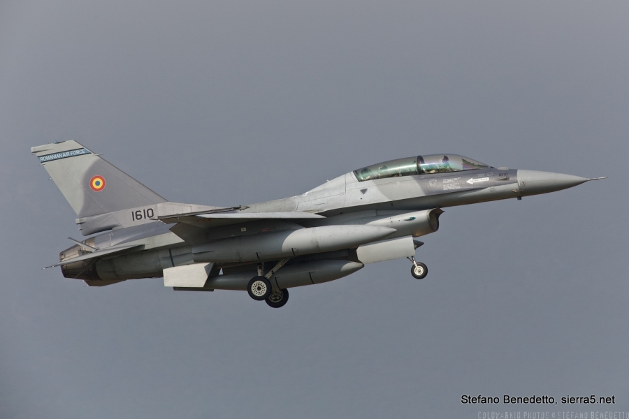 Romuni bodo kupili še pet lovcev F-16