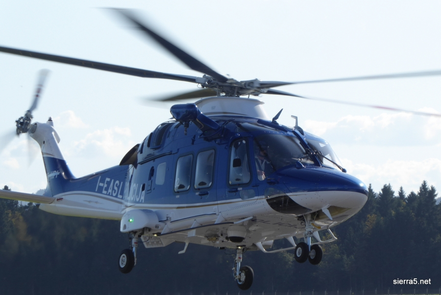 Letalska policijska enota dobila nov helikopter
