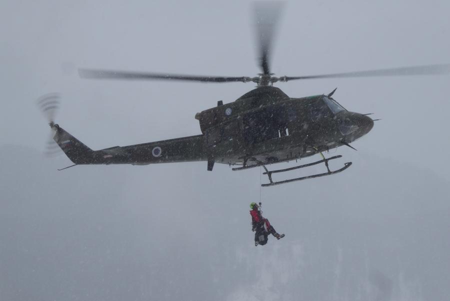 Helikopterji Slovenske vojske v manj kot enem mesecu prepeljali 100 poškodovanih ali obolelih