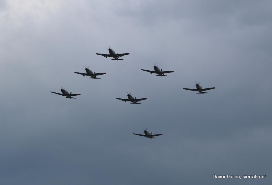 Redno usposabljanje pilotov Slovenske vojske v letenju na nizkih višinah